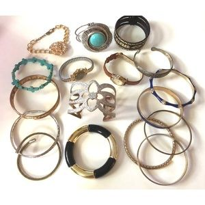 Jewelry - Lot of 17 bracelets and watches